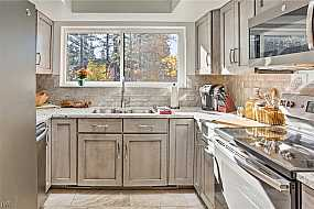 Browse Active BURGUNDY HILL Condos For Sale